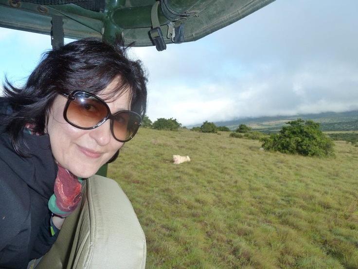 """Doris Zaccone alla Pumba Reserve, a """"caccia"""" di leoni bianchi. Fotografia di Emanuele Denina"""