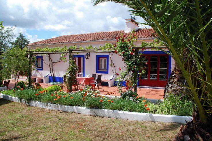 Authentieker gaat het niet worden in Portugal. Heerlijke vakantieboerderij welke te huur wordt aangeboden. Alentejo verrassend mooi!