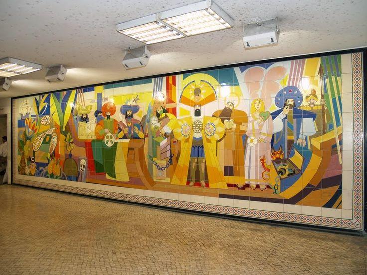 São os azulejos que fazem da estação de S. Bento um das mais belas do mundo, são os azulejos que transmitem uma arquitetura moderna a muitas estações do metro lisboeta