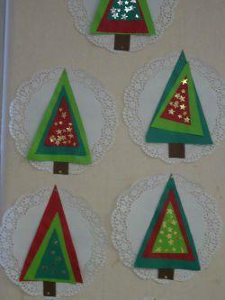 sapin. Idée de petite création de Noël# Christmas# en maternelle#. Art# for kids#