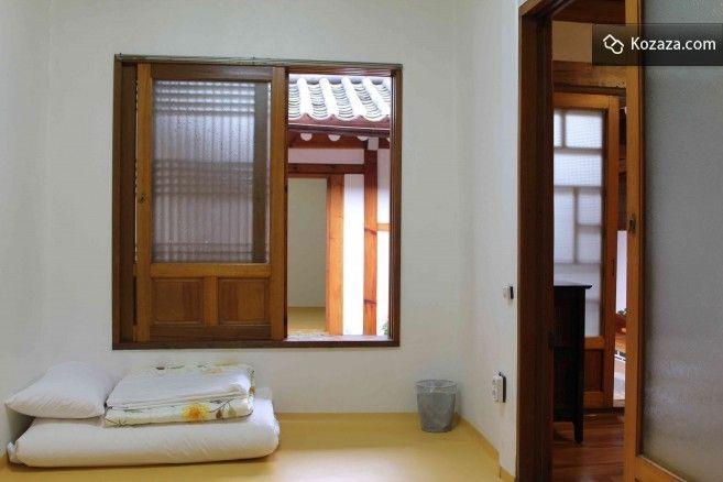 Mumum /m?mu:m/ Calm Layover Room 6
