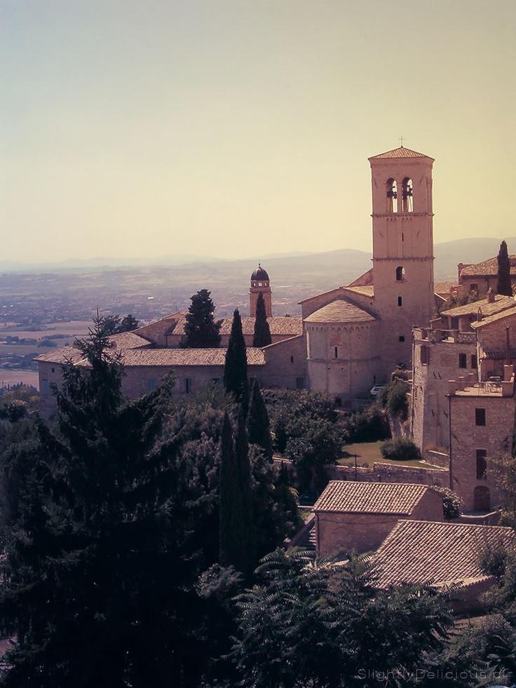#Assisi, niedaleko bazyliki św. Klary - Bella #Italia!  #SlightlyDelicious.pl