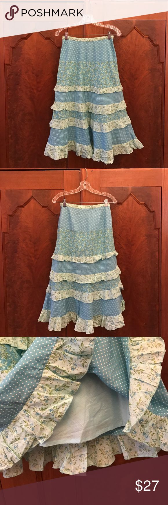 April Cornell - Tiered Skirt in 100% Cotton Like new! Tiered skirt with ruffles in blue floral and dot prints. Fully lined! Closes with a side zip and a hook. Smoke free, pet free and fragrance free home 🏡 100% Cotton April Cornell Skirts A-Line or Full
