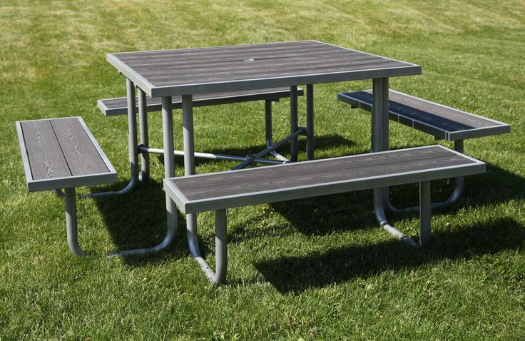 Made from recycled plastic, the CAT-200 picnic table is as beautiful as it is environmentally-friendly.