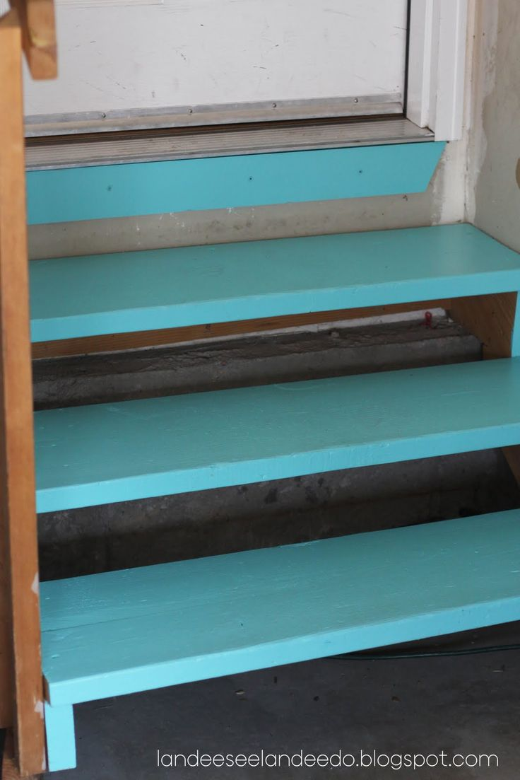 Landee See, Landee Do: Garage Steps Can Be Pretty Too