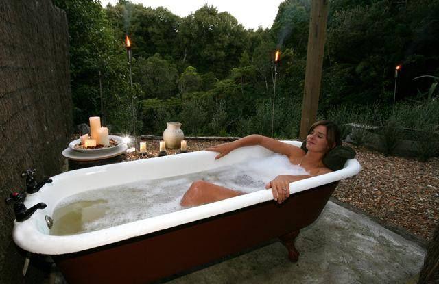 RELAX na bogato! Kto powiedział, że miejsce wanny jest tylko w łazience? :)