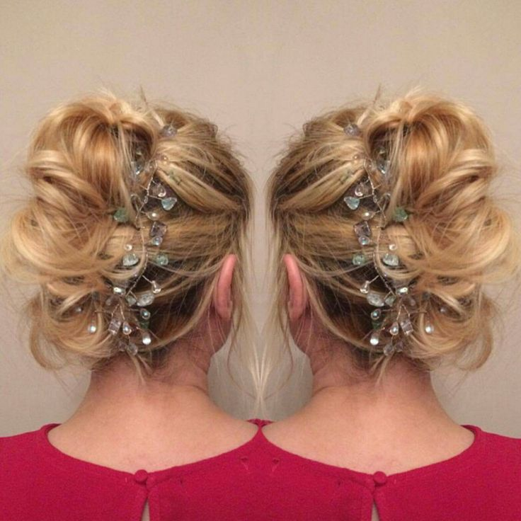 Hair ups #hairvine #weddinghair #updos