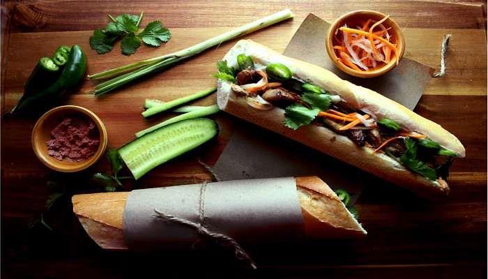 6 places à Montréal où manger un vrai bon sandwich vietnamien | Narcity Montréal