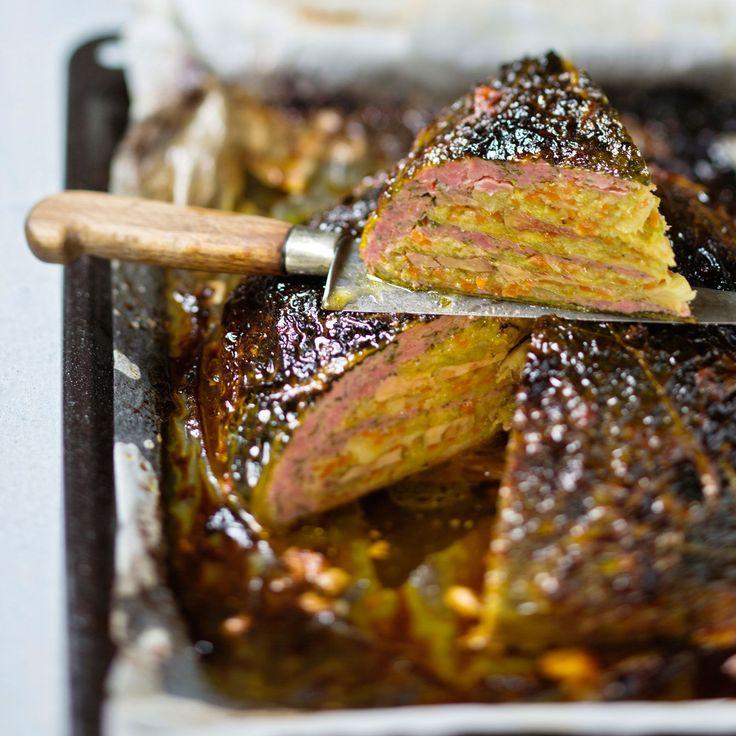 Découvrez la recette Chou farci au foie gras sur cuisineactuelle.fr.
