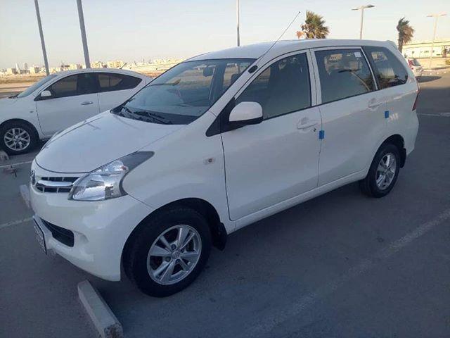 للبيع افانزا موديل 2015 وكالة البحرين بحالة ممتازة جدا ماشية 92 ألف تأمين وتسجيل إلى شهر 9 السعر 3000 وقابل بحد المعقول للجادين فقط للتواصل 3 In 2020 Car Car Door Suv