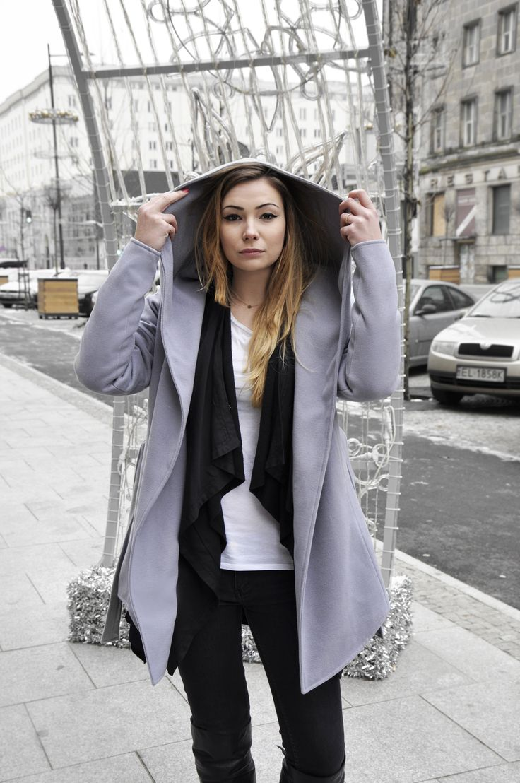 streetstyle woman outfit coat grey backstage