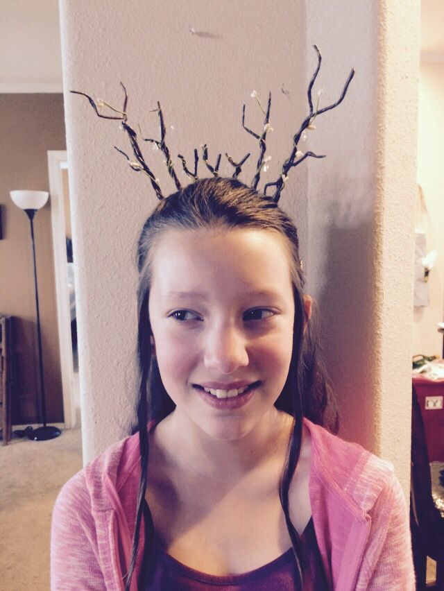 Front view of LoTR Elven Crown