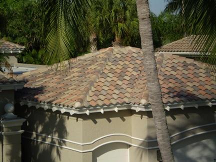 Hereu0027s a nice Capistrano Walnut Creek Blend tile roof. These unique concrete tiles are created & 44 best CAPISTRANO Concrete Roof Tiles images on Pinterest | Roof ... memphite.com