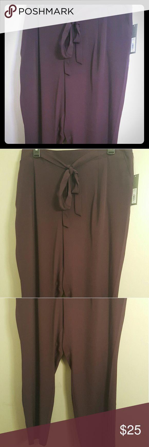 Plum pants with bow design Women's XL Apt 9 Brand New Purple Pants Apt. 9 Pants
