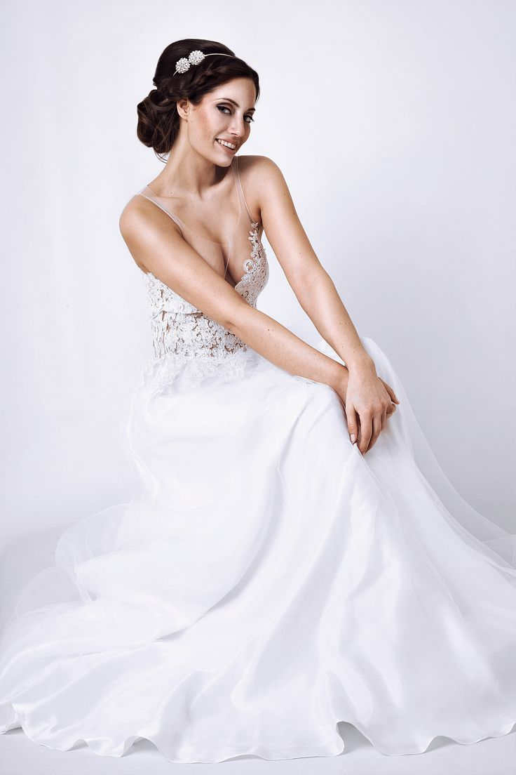 70 best Mix - Shootings images on Pinterest | Lace, Wedding dress ...