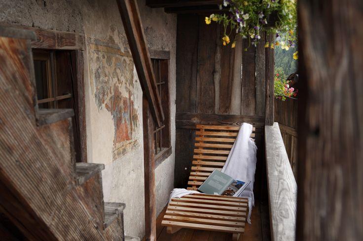 Originale appartamento per due persone, ristrutturato nel 2009, con camera da letto ampia e luminosa dove è possibile aggiungere un letto singolo. Il bagno è dotato di doccia. Lo spazio...