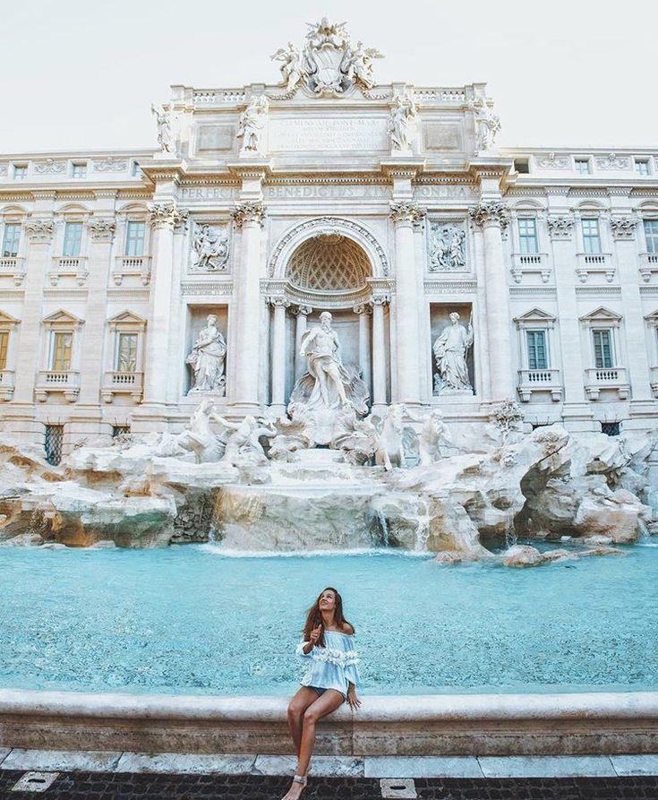 Fontana Di Trevi-Roma.  Picture from @katerinastavreva Instagram.