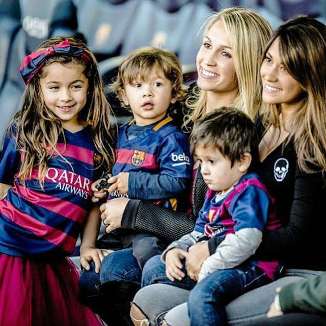 Leo #Messi girlfriend Antonella & #ThiagoMessi & #LuisSuarez wife Sofia and children  #fcblive #FcBarcelona #igersFCB #Barcelona