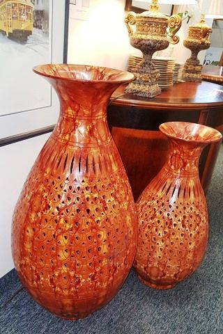 Marvau0027s Place Used Furniture U0026 Consignment Store | 2 Large Porcelain Vases.  MARVASPLACE.COM PLYMOUTH MN MARVAu0027S PLACE USED FURNITURE STORE. HIGH END ...