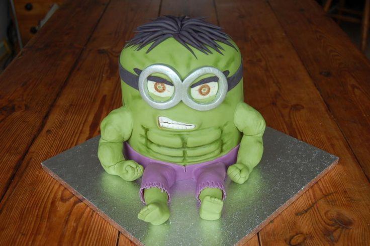 Hulk Minion - Cake by lovemuffins by clair