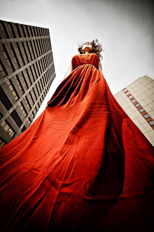 red dress by Jan Leschke Photography