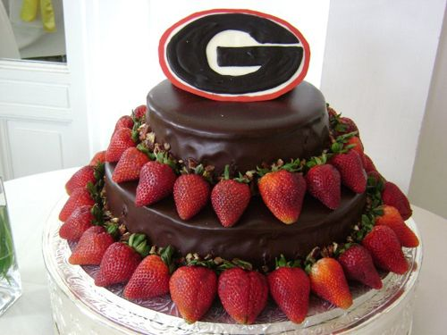 georgia bulldog cupcakes 25 best ideas about football grooms cake on pinterest 4356