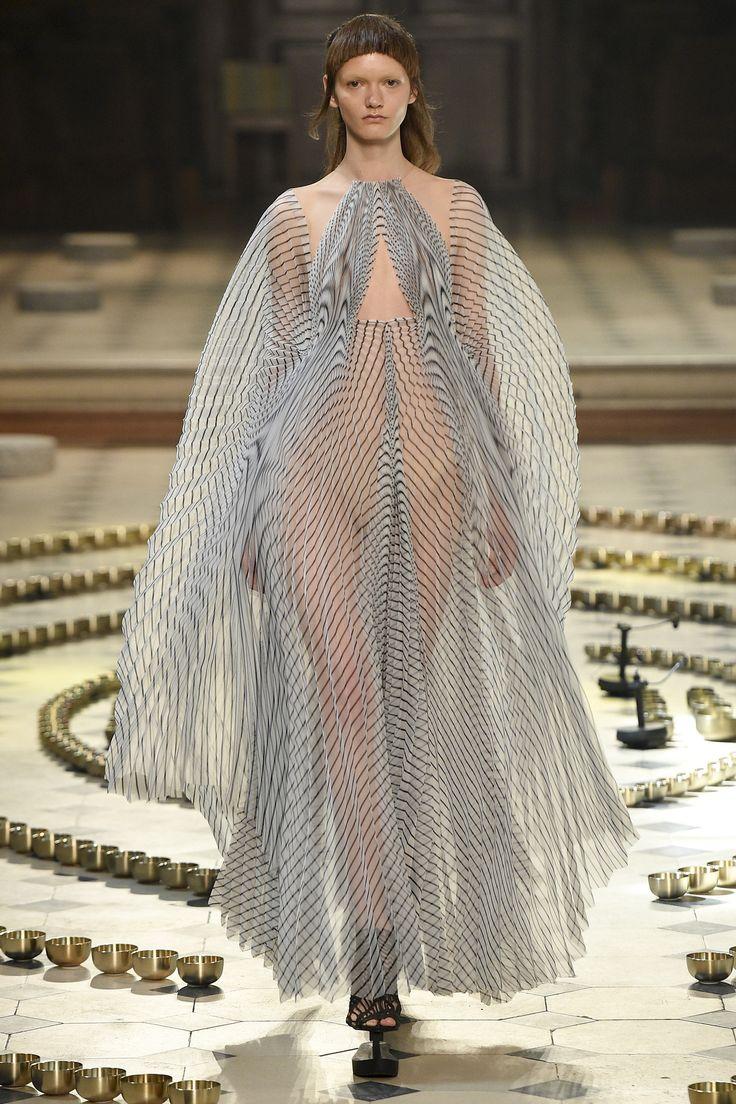 Défilé Iris van Herpen Haute Couture automne-hiver 2016-2017 9