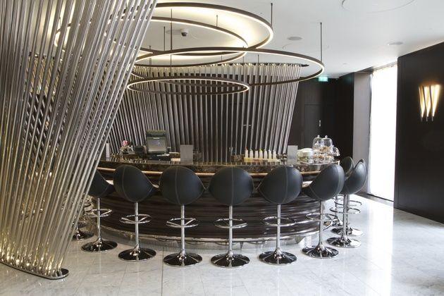 VENUS - вневременной скандинавский дизайн, простой и практичный. Истинная классика 60-х гг. объединяет семейство кресел VENUS, IOS, COSMOS и COMET. Кресла VENUS идеально подойдут для баров, ресторанов или частных интерьеров.