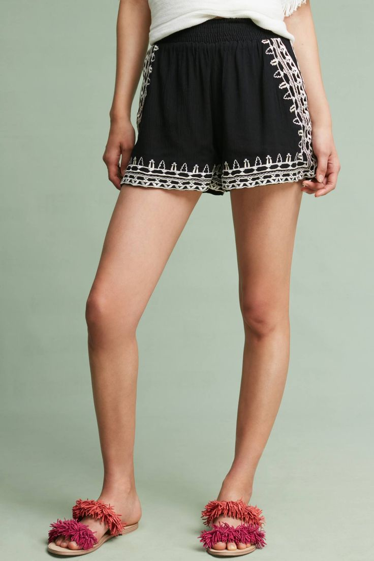 Slide View: 3: Florentia Embroidered Shorts