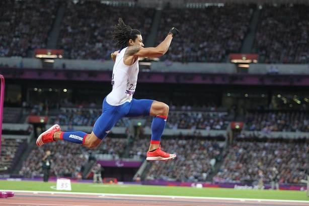 le booster donne des ailes à Arnaud Assoumani. Double Médaillé d'argent au triple saut des Jeux de Londres