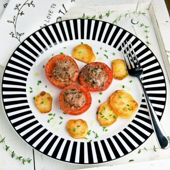 Veal stuffed tomatoes