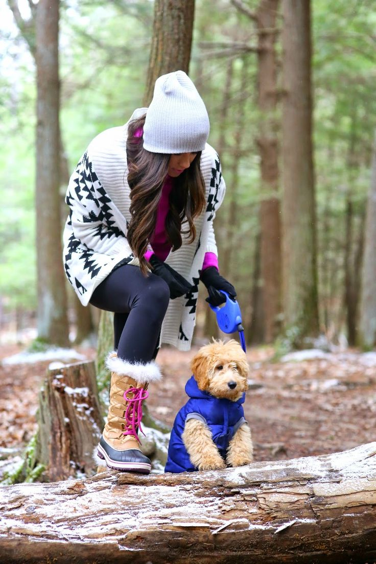 Pair the SOREL Tofino Cate Boot with bright pops of color to stand out on your next wintery hike.