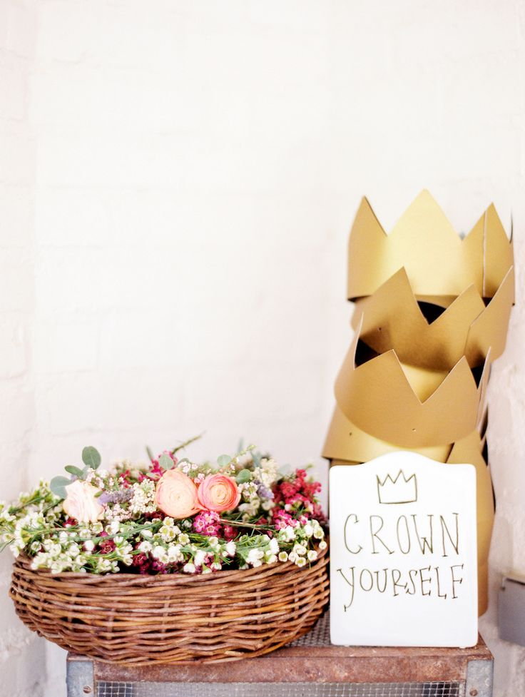 Flower crowns and gold crowns // baby shower ideas