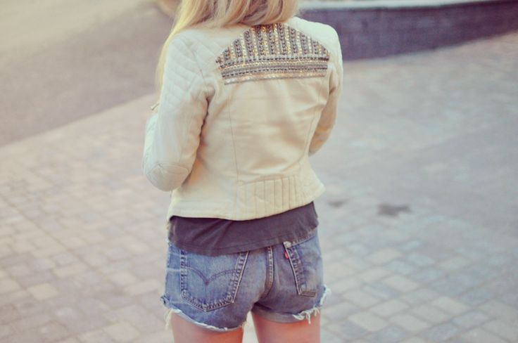 Embellished linnen blazer with levis 501 shorts