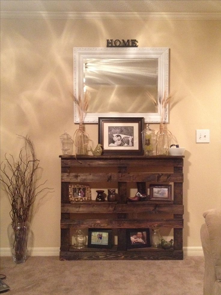 This was my first DIY pallet entry table..... Love the way it turned out!!!