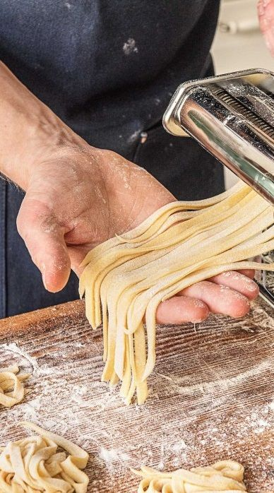 Schritt für Schritt Rezept: So einfach Pasta selber machen! Der perfekte Pastateig…