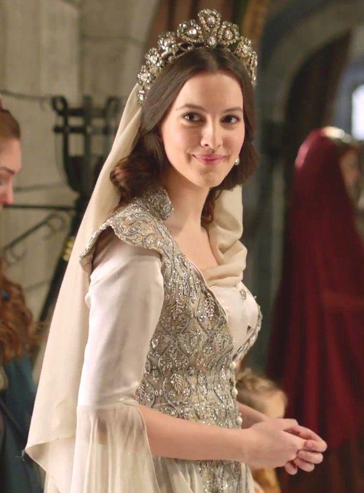 Ayşe Sultan (Leyla Feray)