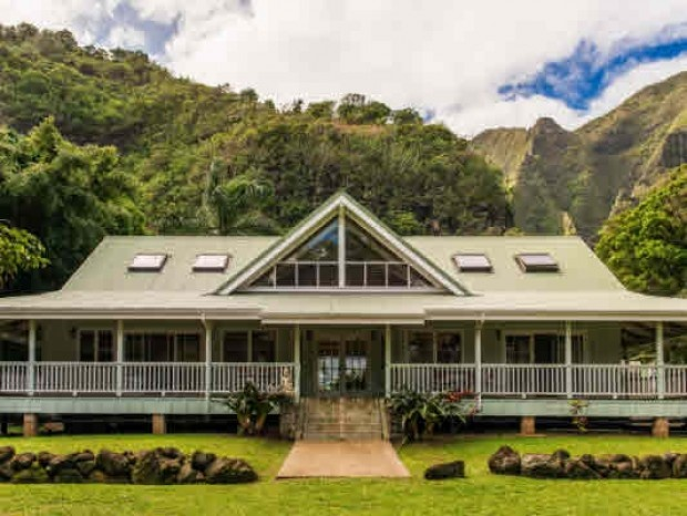 1000 images about plantation hales on pinterest for Hawaiian style architecture