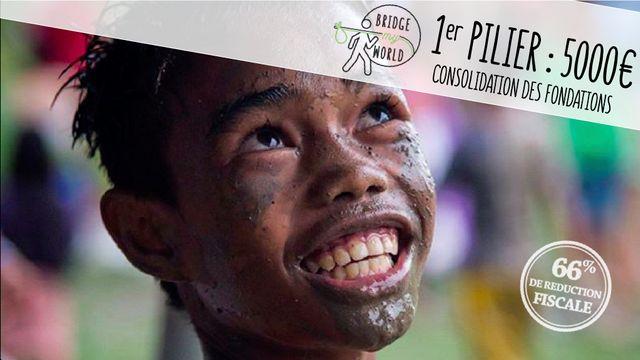 Joseph Parisot, ESSEC Global BBA 2014 et actuellement étudiant du MS ESSEC - CentraleSupélec, est le fondateur de Bridge My World. Son association née d'un tour du monde réalisé en solitaire après le Global BBA, est devenue la première ONG humanitaire étudiante de France.  L'association lance sa campagne de #crowdfunding pour continuer à se développer.