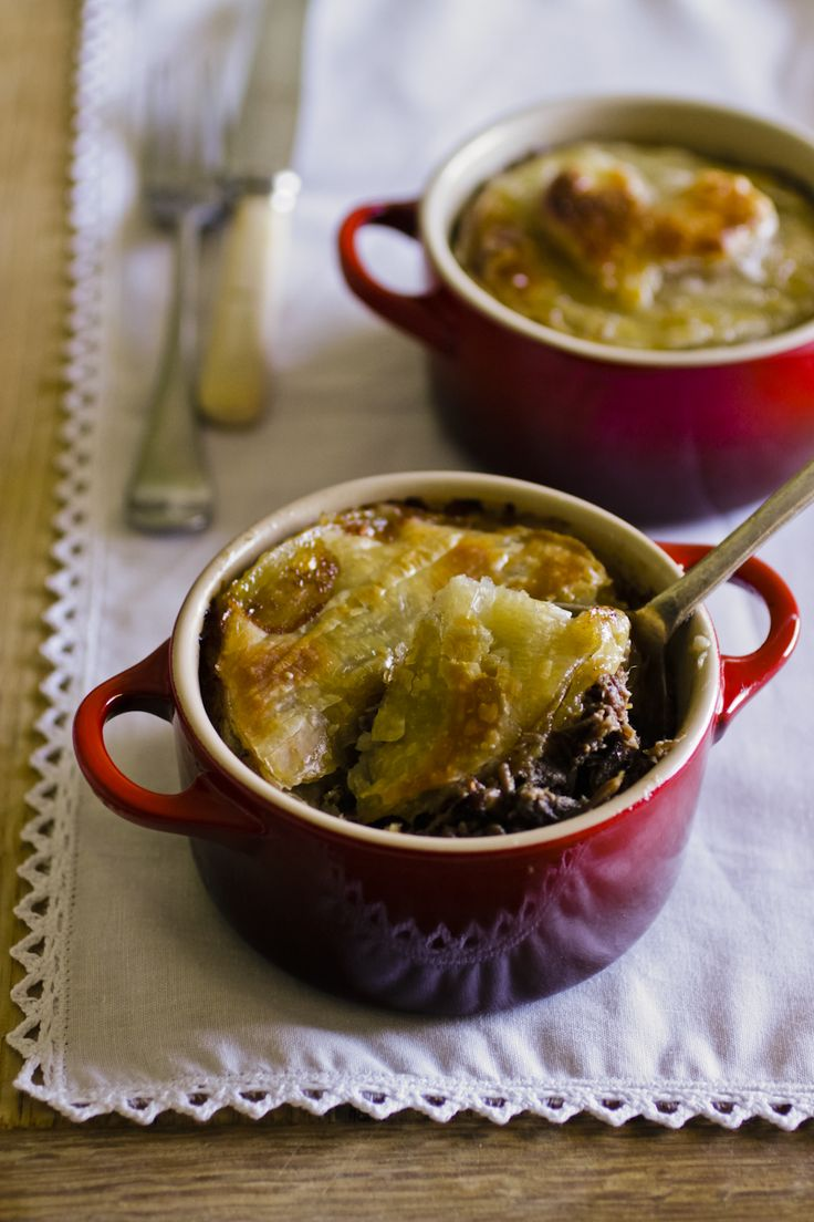 Oooh, that looks good! Who would like to try Springbok/Venison Pie?