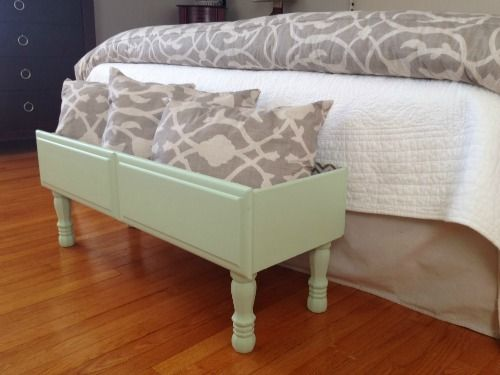 9 Completely Genius Trash-to-Treasure Crafts: Dresser drawers turned in to a cute storage bin!
