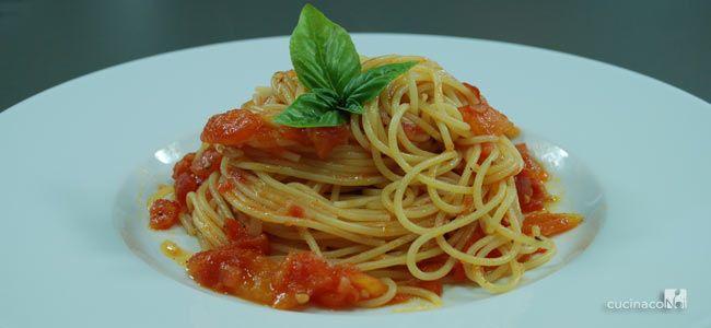 Spaghetti al pomodoro fresco - Preparazione