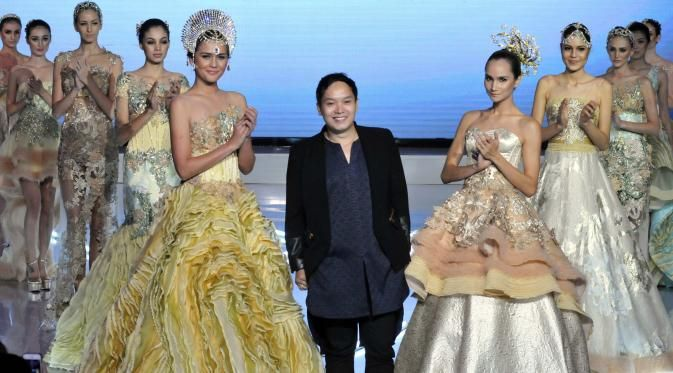 Busana Glamor hingga Kontemporer di Puncak I Fashion Festival - Lifestyle Liputan6.com