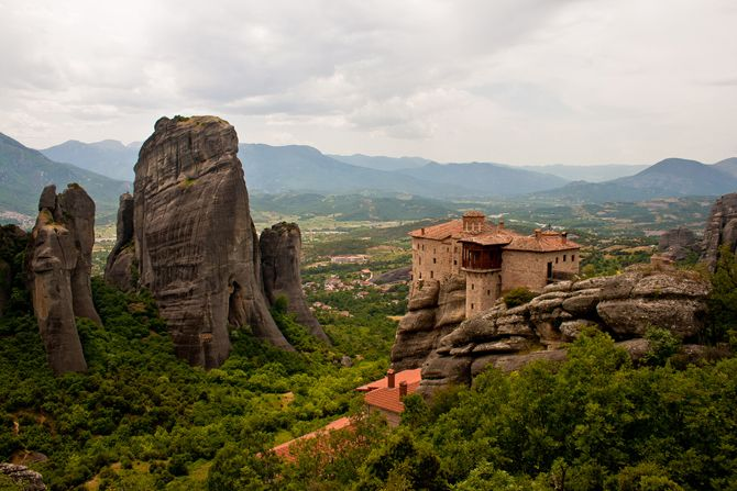 Monasteries of Meteora | Today only 6 out of the 24 monasteries are open - © wondergreece.gr