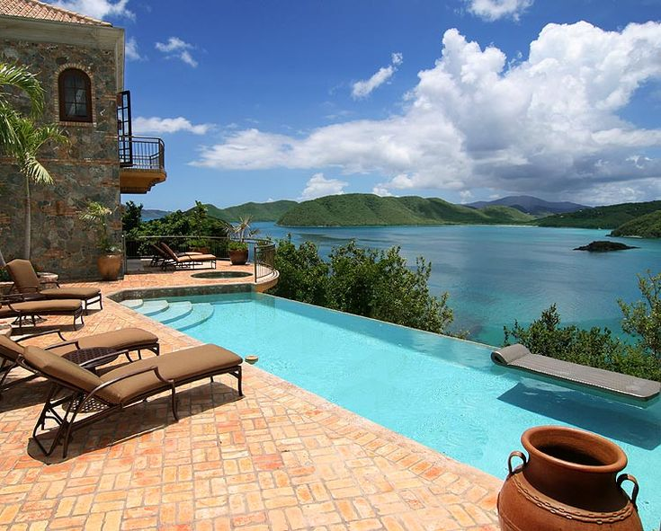 #StJohn Cinnamon Breeze is secluded, private, and tranquil, yet only minutes away from Cruz Bay restaurants and activities.