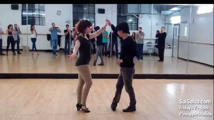 salsa dance classes at pineapple dance studios in London every Friday 7pm  #salsadance #salsadancing  #dance #pineapplestudios #london #londondance
