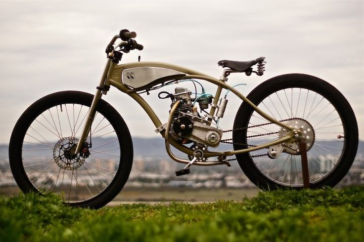 Vintage boardtracker style in this 'Motorised Bicycle' from Wolf Creative Customs.