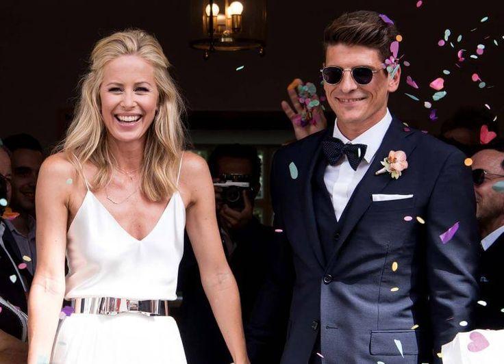Gestatten, Gomez! Carina Wanzung und Mario Gomez verlassen glücklich und als Mann und Frau das Standesamt in München.