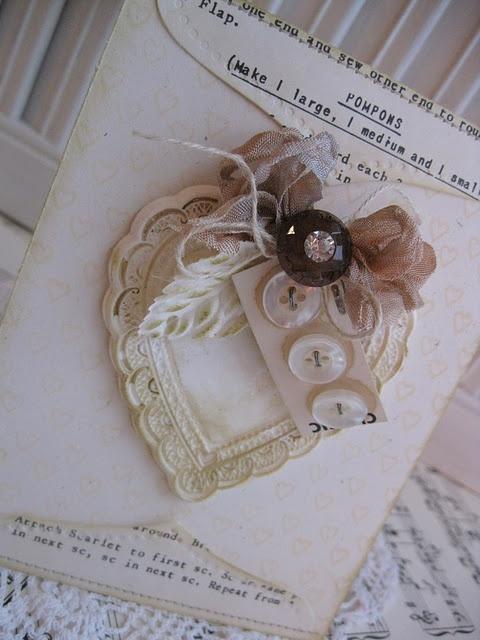 love this embellished envelope <3
