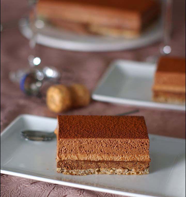Entremet croustillant aux deux mousses au chocolat